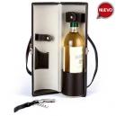 Porta botella de vino en curpiel con saca corchos