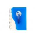 Libreta para notas con pasta plásticas y bolígrafo a juego.