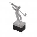 Trofeo de metal cromado y resina base color negro